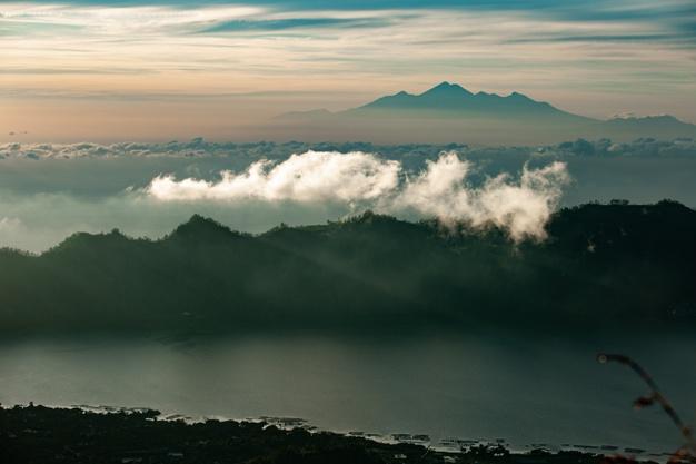 landscape-dawn-overlooking-volcano-batur-volcano-bali-indonesia_72229-987